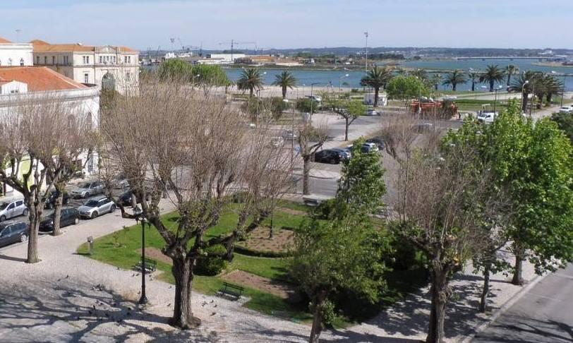 Cais da antiga Praia da Reboleira encontrado durante as obras na Praça 8 de Maio
