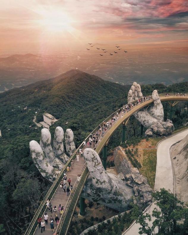 """Esta ponte no Vietname está (literalmente) em """"boas mãos"""""""